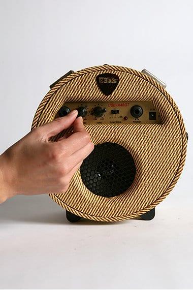 Round Blues Amplifier