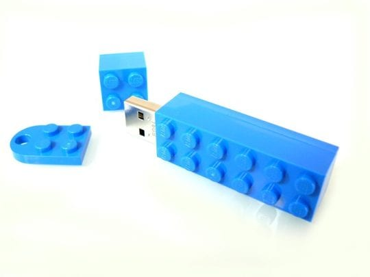 LEGO Brick with klickable keyringplate useable as magnetpin