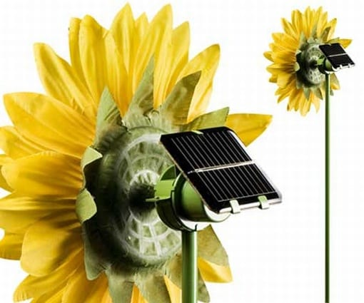 Solar Powered Spinning Sunflower