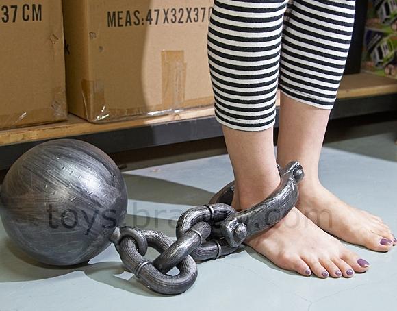 The METALLIC-like Neck Collar Wrist Handcuffs