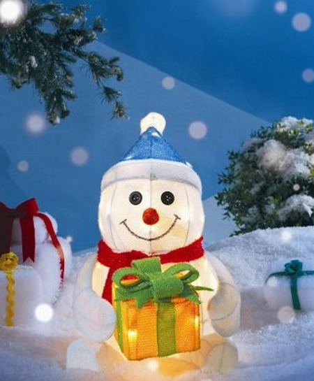 Lighted Tinsel Snowman with Giftbox