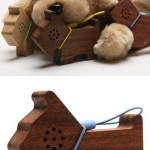 Motz Tiny Wooden Pet Speaker for iPod and MP3 Player