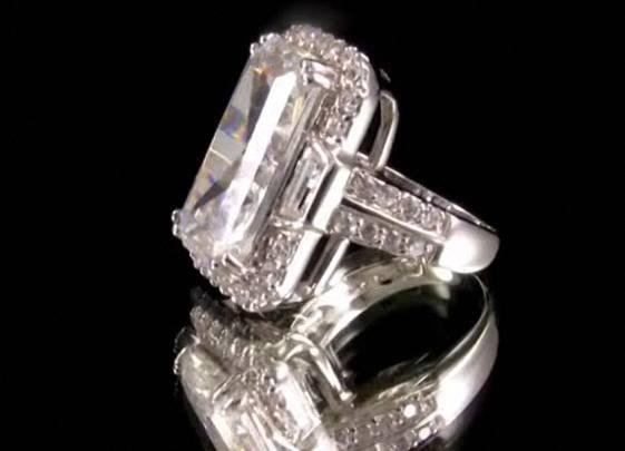 ... Kardashian jewelry … The price is also good $99.99 (it was: $150.00