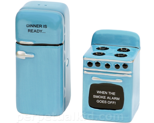 RETRO KITCHEN SALT & PEPPER SHAKERS