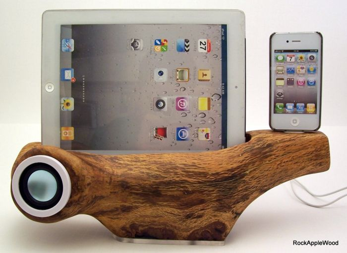 iPhone Speaker Docking Station with iPad Stand