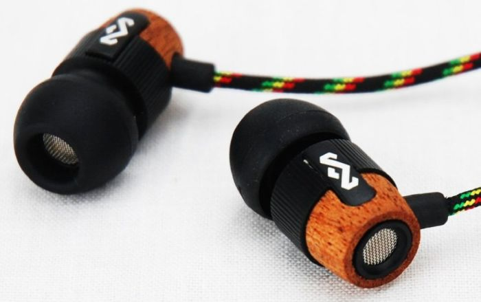 In-Ear Headphone with 3-Button Apple Mic