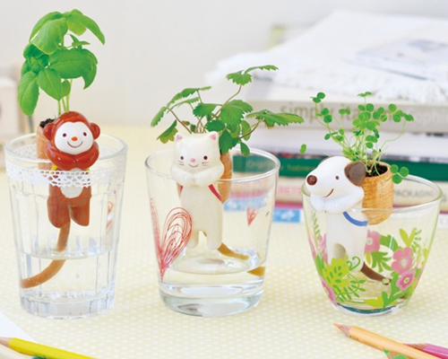 ANIMAL FRIEND BACKPACK PLANTERS