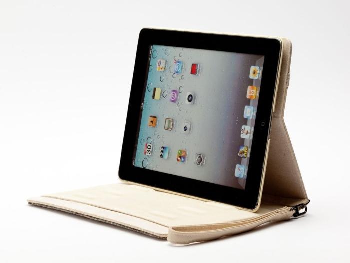 Amazon.com  Newsh Bling Bling Inlay Swarovski Element Crystal Stand Leather Case for Ipad 2 Ipad 3 New ipad White - PT02