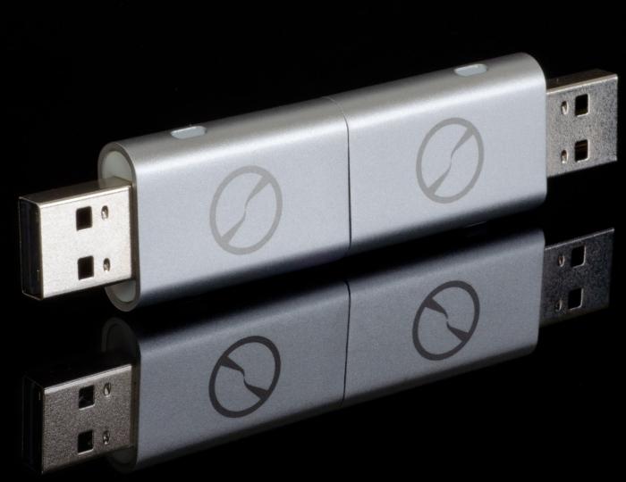 Amazon.com  iTwin Connect - Zero-config Public VPN + Private VPN USB Device (Silver) - PT01