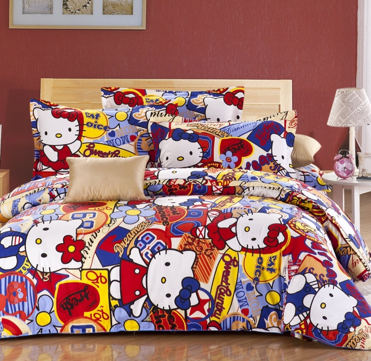 Hello Kitty Queel Full Size Bedding Set