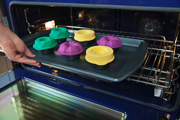 bakeshape_muffin_topper_tin_bake