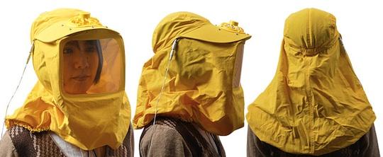 usb-pollen-blocker-suit-hood-hay-fever-1