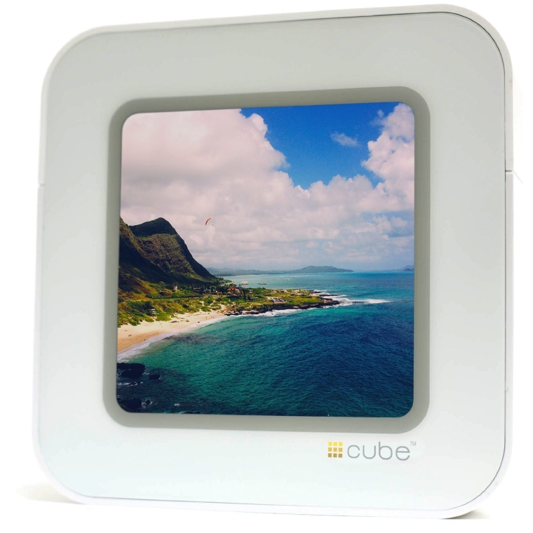 Digital Wi-fi Touchscreen Photo Viewer for Instagram