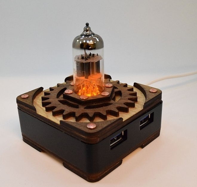 Handmade Yellow Triode Radio Vacuum Tube Hi-speed 4 Ports USB 3.0 HUB