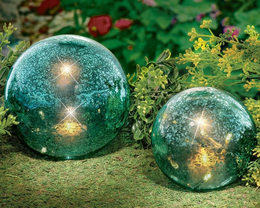 Twinkling Garden Globe Balls