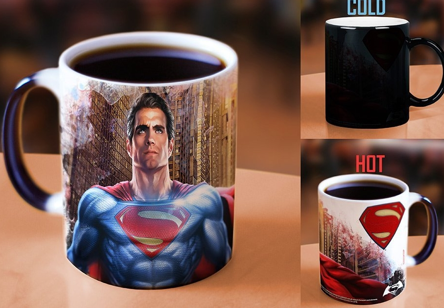 Batman v Superman Heat-Activated Morphing Mug