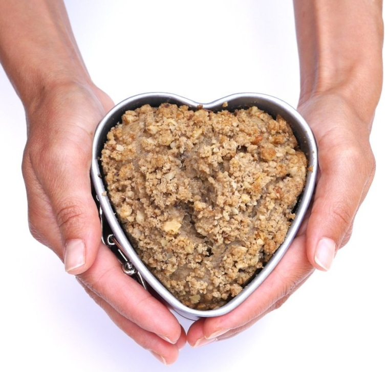 Vanika Non-Stick Heart Shaped Springform Cake Pan