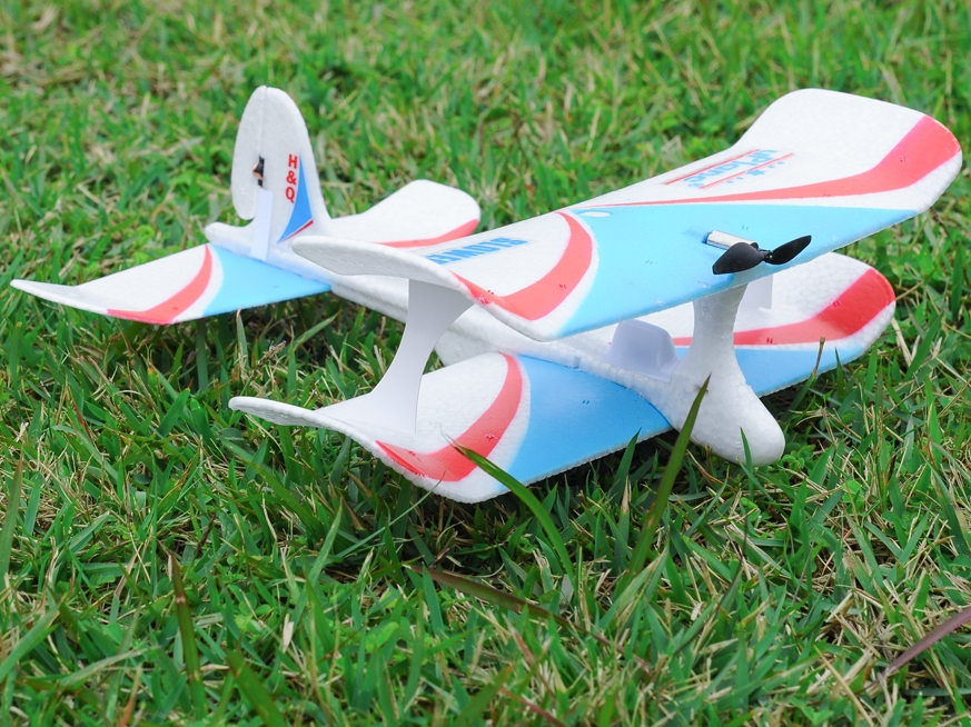 Bluetooth 4.0 Smartphone Controlled Airplane