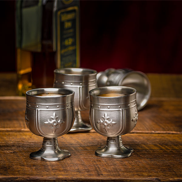 inrq_knight_shot_glasses_inuse