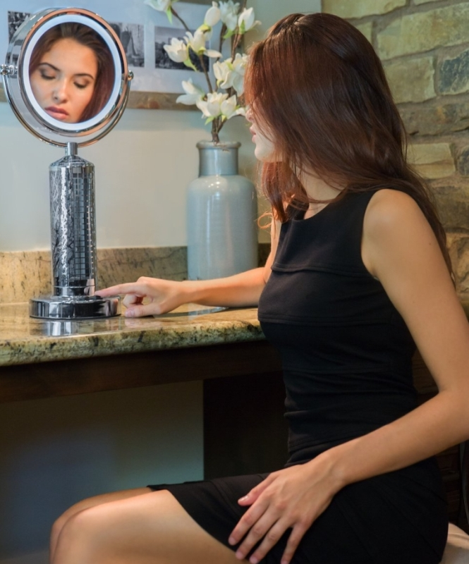 Luxurious Vanity Mirror w Cooling Fan and LED Lights