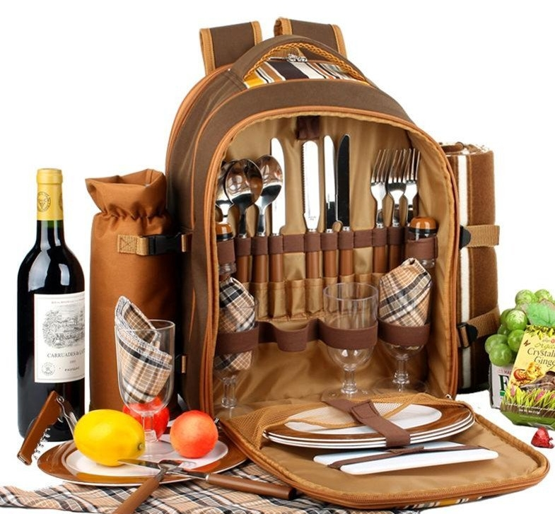 Picnic backpack for 4 picnic basket