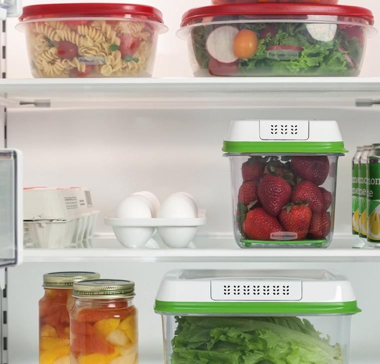 Rubbermaid FreshWorks 6.3 Cup Medium Produce Saver