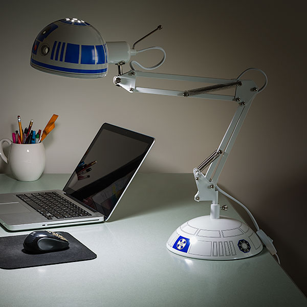r2d2_architectural_desk_lamp_inuse