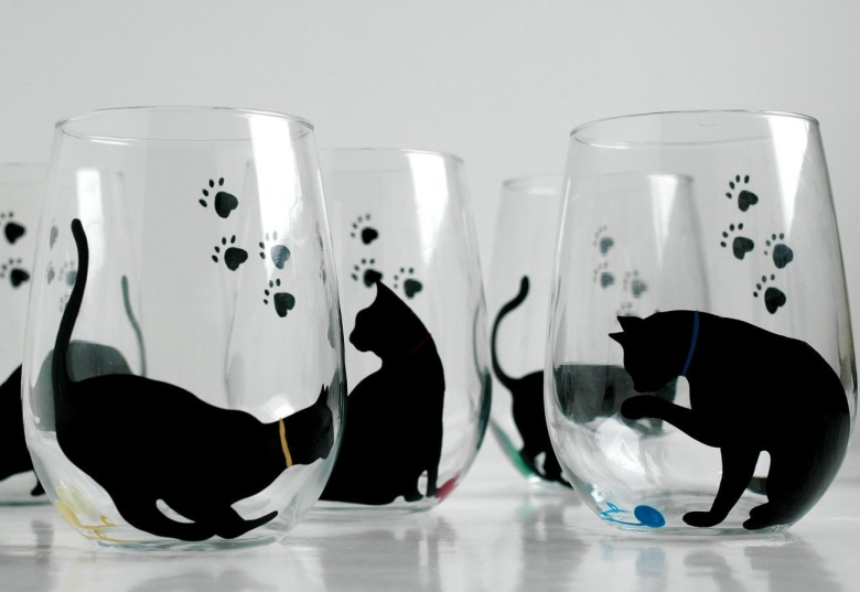 Cat and Yarn Stemless Wine Glass