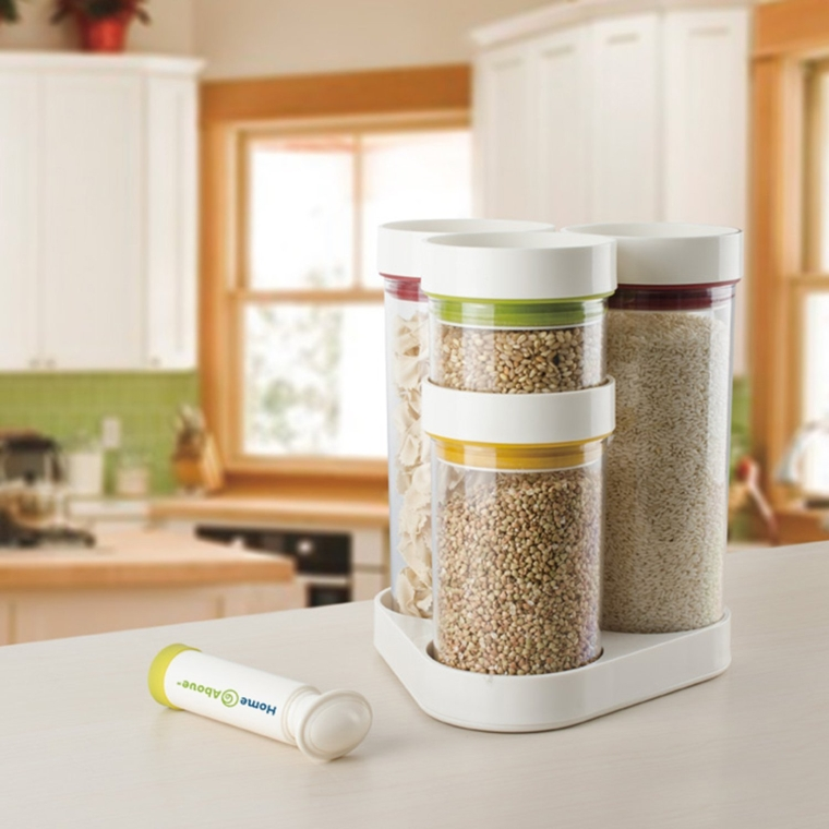 Vacuum Food Container 5pc Set in Rotating Carousel with Vacuum Pump