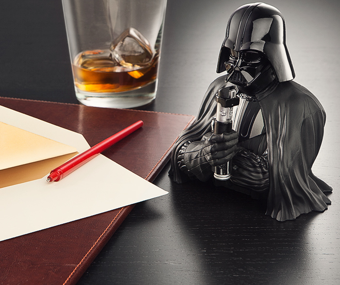 iupp_sw_vader_pen_holder_desk