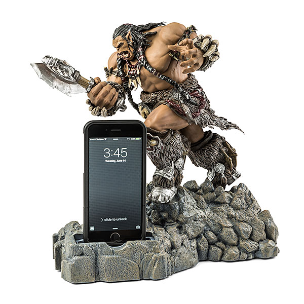 itss_warcraft_durotan_figural_phone_bank