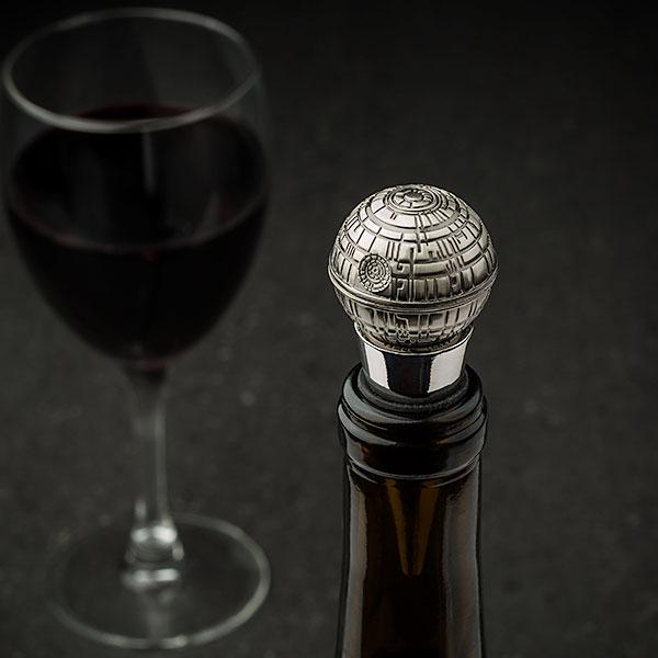 ivnq_death_star_wine_bottle_stopper_inuse