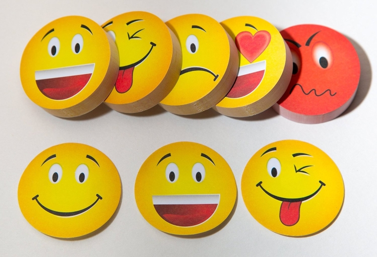 Emoticon sticky note