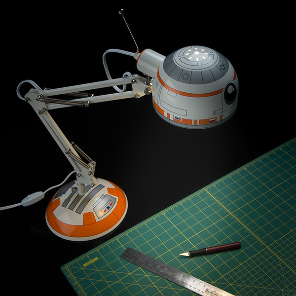 jhij_bb8_desk_lamp_inuse