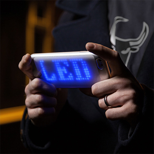 jknv_led_matrix_phone_case_inuse1