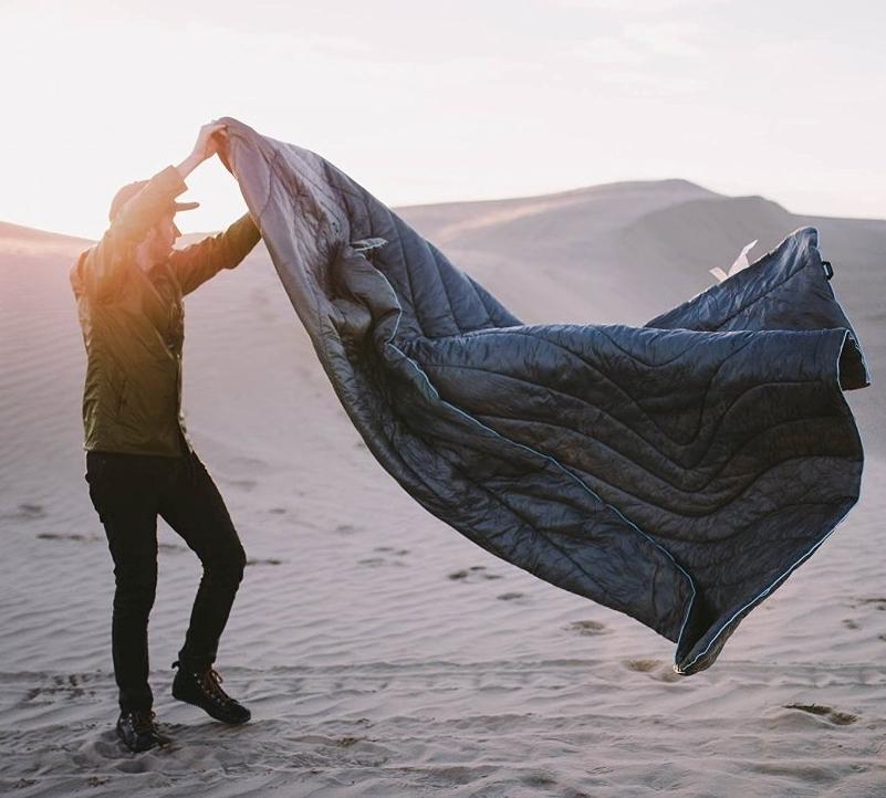 indooroutdoor-synthetic-puffy-down-blanket