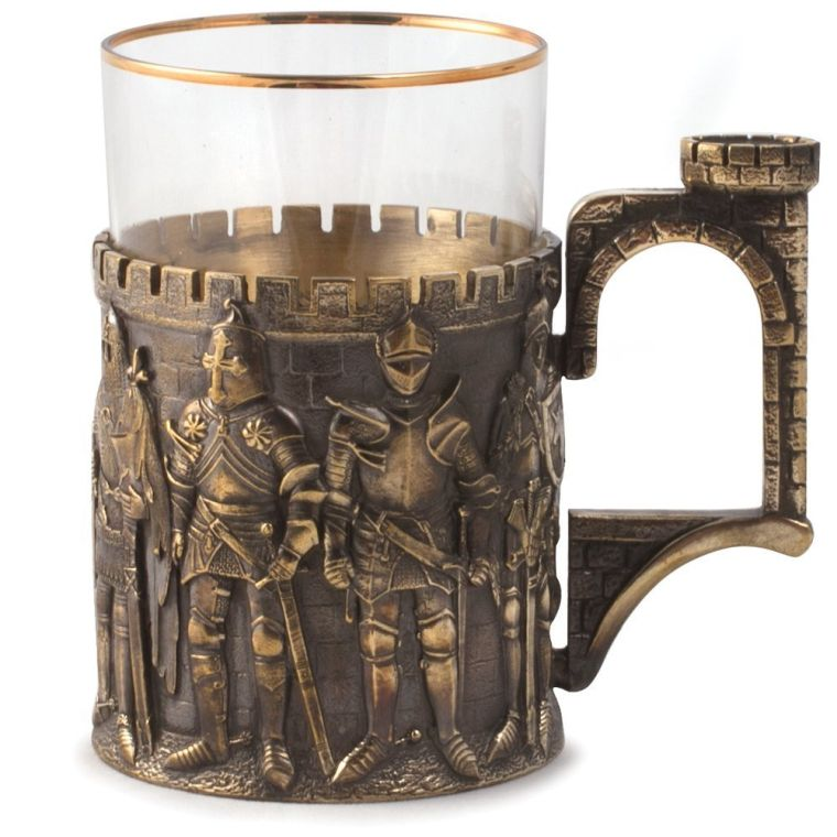 knights-drinking-tea-glass-holder