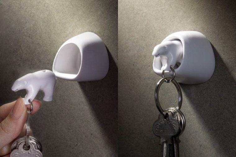polar-bear-wall-key-holder