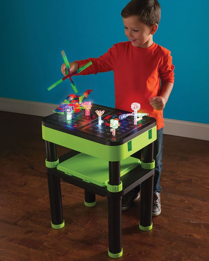 the-3d-illuminated-model-building-table