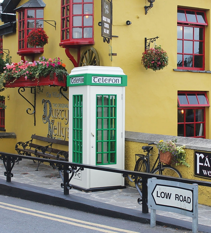 the-genuine-irish-telefon-box