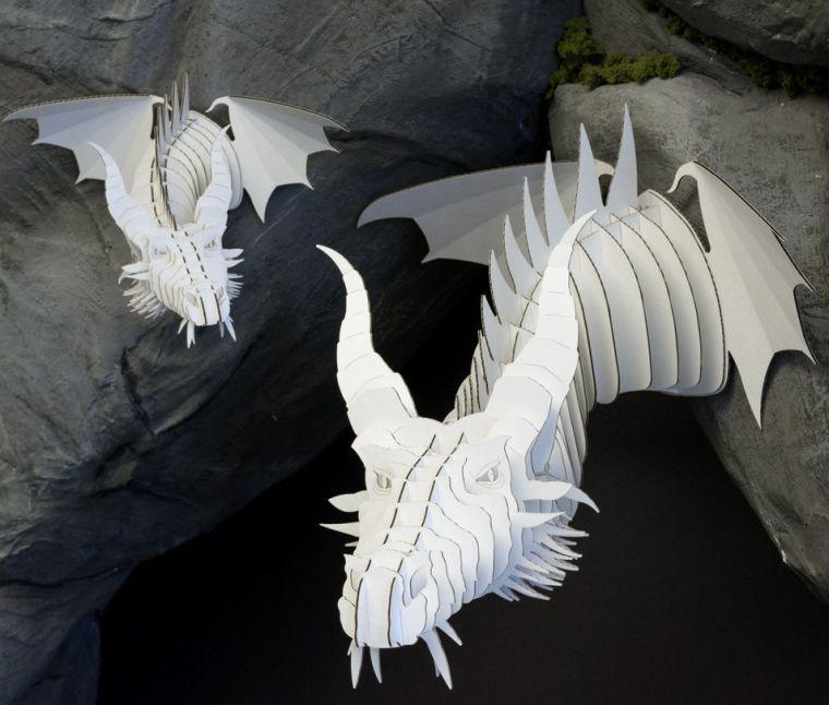 nikita-cardboard-dragon-head
