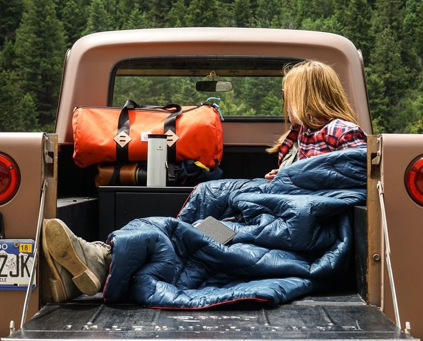 rumpl-high-performance-indooroutdoor-synthetic-puffy-down-blanket