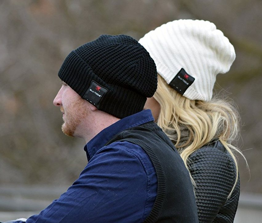 caseco-wireless-bluetooth-beanie-hat-4-1