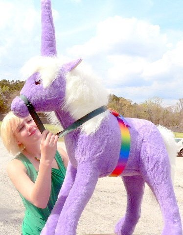 giant-stuffed-unicorn