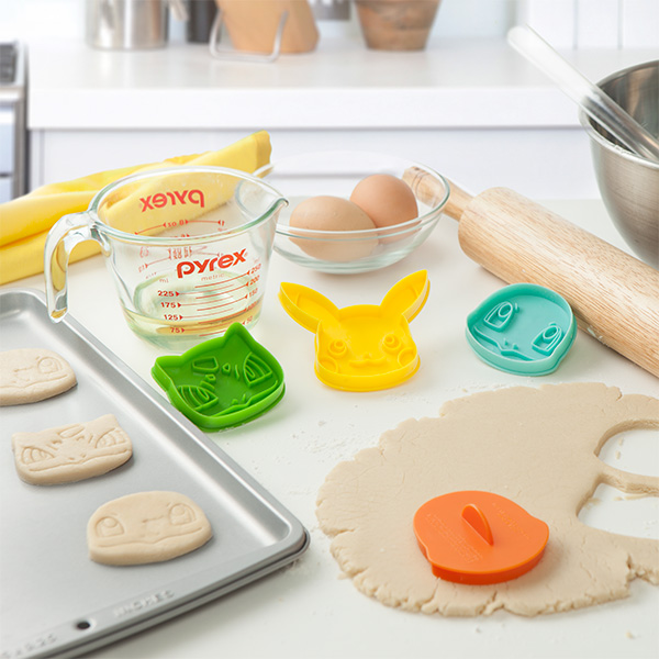 jhni_pokemon_cookie_cutters_inuse