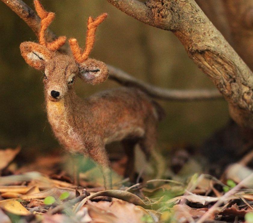 poseable-needle-felted-deer-sculpture