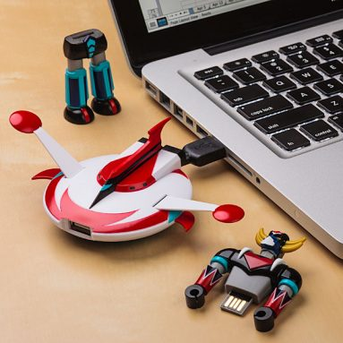 UFO Robot Grendizer Flash Drive With Saucer Docking Station