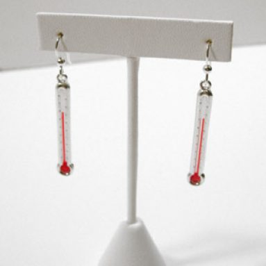 Jewelry with thermometers