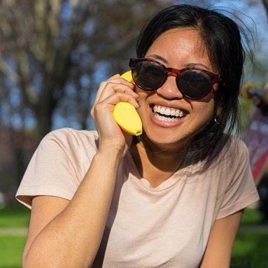 World's First Banana Shaped Wireless Bluetooth Mobile Handset Fun