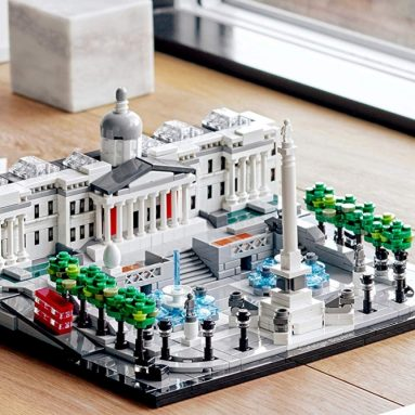 LEGO Architecture 21045 Trafalgar Square Building Kit